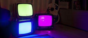Lampada Vintage: Veta Light. La storia di come una vecchia televisione diventa un'opera luminosa. Illuminazione vintage.